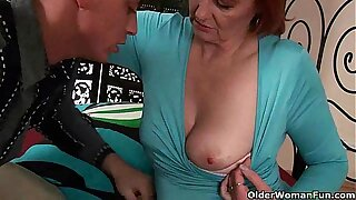 Matured mom craves a formerly larboard up her old pussy