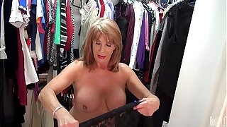 Sexyest mature lady Rae Hart touch pussy in vestments