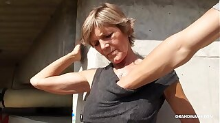 Hot blonde tattooed old cougar gives the rout blowjobs
