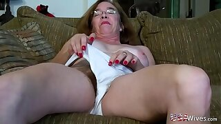 USAwives Hairy Granny Pusssy Fucked With Coitus Toy