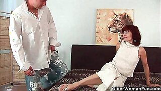 Granny gets a good fuck together with creamy facial