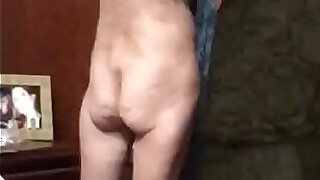 Old bare skinny pussy