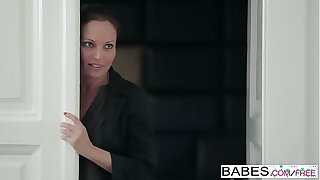 Babes - Step Mom Charge order - (Nick Gill, Julia Roca) - Hot Property