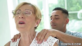 Kinky Old Chubby GILF Malya has a lucky day, gets far confine on a young dong