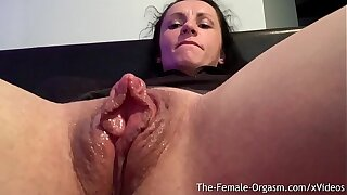 Lickerish Body Builder Rubs Giant Clit And Wet Pussy To Contracting Orgasm