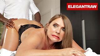 Sexy Susi is ready be expeditious for her Anal Knead Therapy
