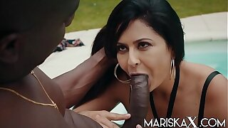MARISKAX Mariska gets fucked wits black cock outside