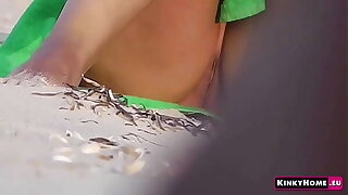 Voyeur concentrated cam - Girl on a nude beach in Italy! Peeping (PART 2)