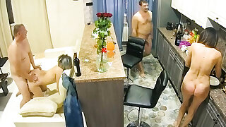Amateur Adult Swingers on Chamber Mingy Cam